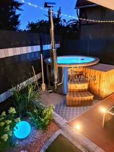 Fiberglass lined hot tub with integrated burner thermo wood Wellness Royal 1 1