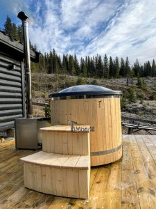 Wooden fiberglass ofuro hot tub for two 3 scaled