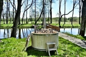 Wooden hot tub basic model made of siberian spruce larch 15