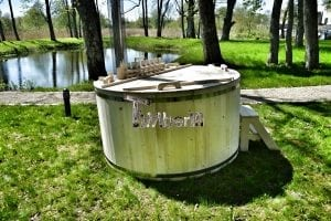 Wooden hot tub basic model made of siberian spruce larch 29
