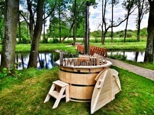 Wooden hot tub for garden 2