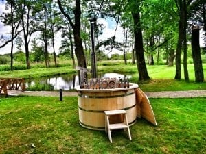 Wooden hot tub for garden 5