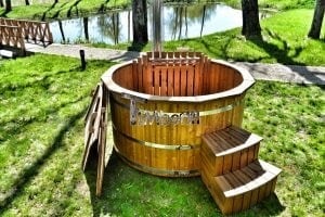 Wooden hot tub thermowood deluxe spa model 17