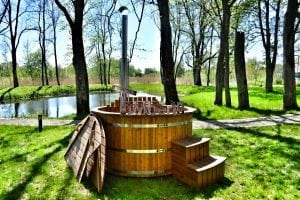 Wooden hot tub thermowood deluxe spa model 23