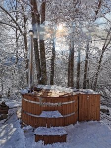 Wooden hot tub with jets Deluxe 3