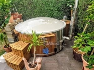 Fiberglass lined hot tub with integrated burner thermo wood Wellness Royal 3 1