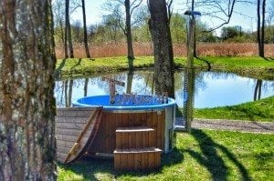Fiberglass outdoor spa Wellness in thermo wood with wooden lid 27