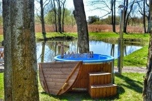 Fiberglass outdoor spa Wellness in thermo wood with wooden lid 28