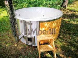 Outdoor fiberglass hot tub with integrated heater Wellness Deluxe 19