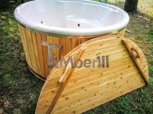 Outdoor fiberglass hot tub with integrated heater Wellness Deluxe 24