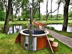 Wellness fiberglasshot tub with complete wood decoration 9