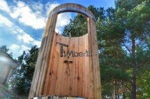 Outdoor wooden shower 18