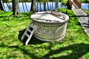 Wood fired hot tub for garden. Includes sand filtration 2 LED and wall insulation 13