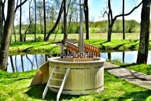 Wood fired hot tub for garden. Includes sand filtration 2 LED and wall insulation 20