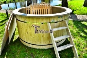 Wood fired hot tub for garden. Includes sand filtration 2 LED and wall insulation 25
