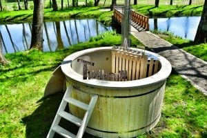 Wood fired hot tub for garden. Includes sand filtration 2 LED and wall insulation 9