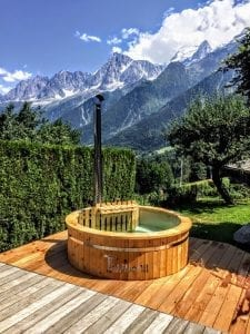 Outdoor spa with polypropylene liner 1 2