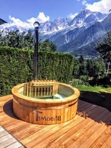 Outdoor spa with polypropylene liner 3 1