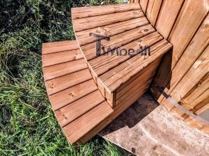 Outdoor spa with polypropylene liner 32