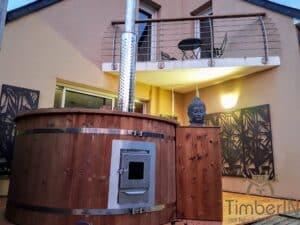 Outdoor wooden hot tub 1