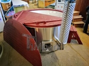 Fiberglass lined outdoor hot tub integrated heater with wood staining in red 7