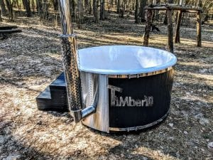Black fiberglass lined hot tub with integrated burner Wellness Scandinavian 21