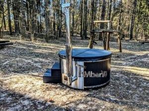 Black fiberglass lined hot tub with integrated burner Wellness Scandinavian 32