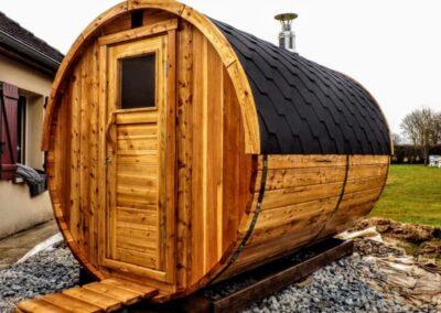Barrel outside sauna