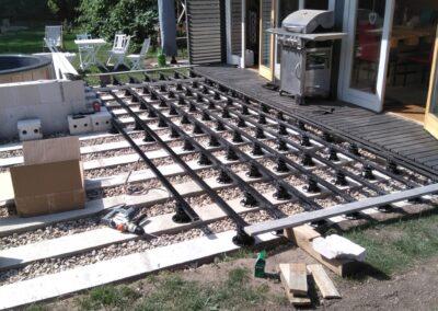 Building the outdoor terrace (10)
