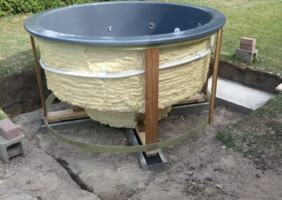 Positioning of the sunken hot tub (3)